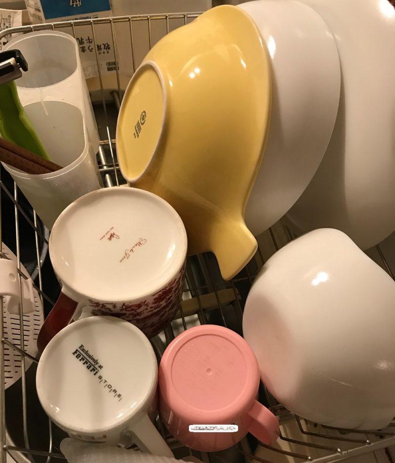 食洗機のものをいったん水切りかごへ